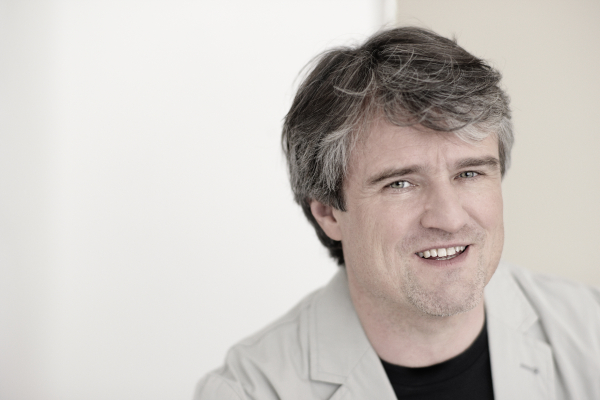 Portraitfoto Dirigent Ingo Metzmacher © Harald Hoffmann