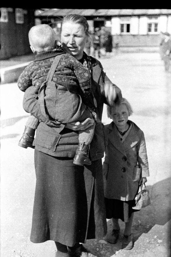 Katja Sturm-Schnabl als Kind mit ihrer Mutter © Katja Sturm-Schnabl
