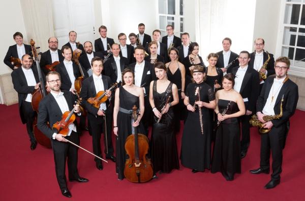 Gruppenbild Orchester Divertimento Viennese © Gregor Schweinester