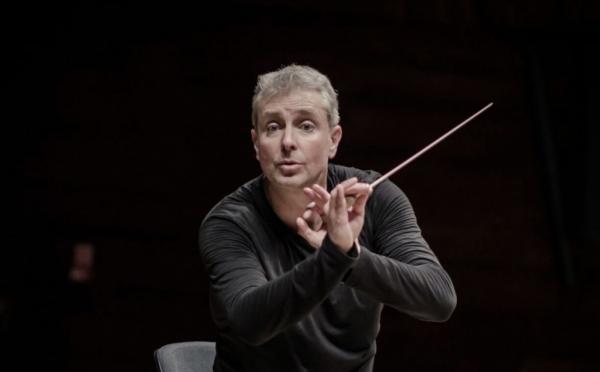Conductor Alexander Liebreich - Copyright Sammy Hart